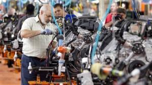 Dis-moi quelle langue  tu parles…  40 % des emplois au Québec ne sont pas accessibles aux immigrants unilingues francophones!