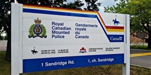 Sans permission!... Des agents de la GRC ont fouillé dans la vie privée de Canadiens